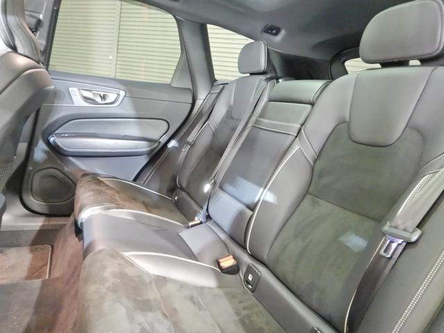 T6 AWD Rデザイン ワンオーナー パノラマスライディングサンルーフ ファインナッパレザーコンビネーションシート 21インチAW 360度カメラ(16枚目)