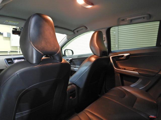 D4 タック ワンオーナー 黒本革シート シートヒーター インテリセーフ10 PCCキーレスドライブ アダプティブクルーズコントロール リアビューカメラ(14枚目)