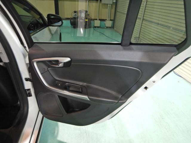 D4 タック ワンオーナー 黒本革シート シートヒーター インテリセーフ10 PCCキーレスドライブ アダプティブクルーズコントロール リアビューカメラ(18枚目)