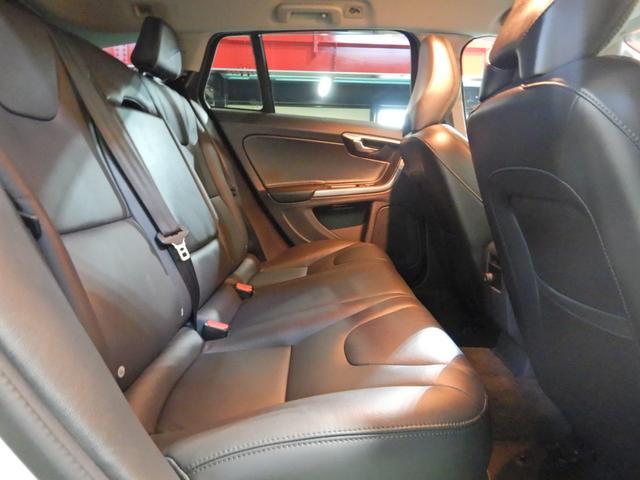 D4 タック ワンオーナー 黒本革シート シートヒーター インテリセーフ10 PCCキーレスドライブ アダプティブクルーズコントロール リアビューカメラ(19枚目)
