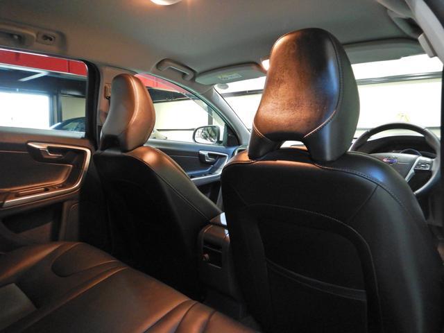 D4 タック ワンオーナー 黒本革シート シートヒーター インテリセーフ10 PCCキーレスドライブ アダプティブクルーズコントロール リアビューカメラ(20枚目)