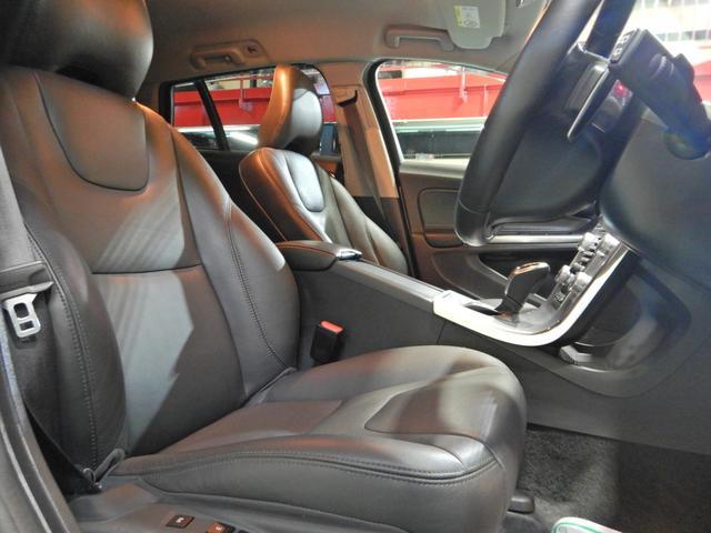 D4 タック ワンオーナー 黒本革シート シートヒーター インテリセーフ10 PCCキーレスドライブ アダプティブクルーズコントロール リアビューカメラ(27枚目)