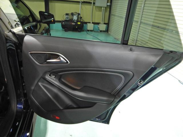 CLA180 シューティングブレーク AMGスタイル レーダーセーフティ ハーフレザーシート シートヒーター キーレスゴー LEDヘッドライト 18インチAMGホイール HDDナビ リアビューカメラ(18枚目)