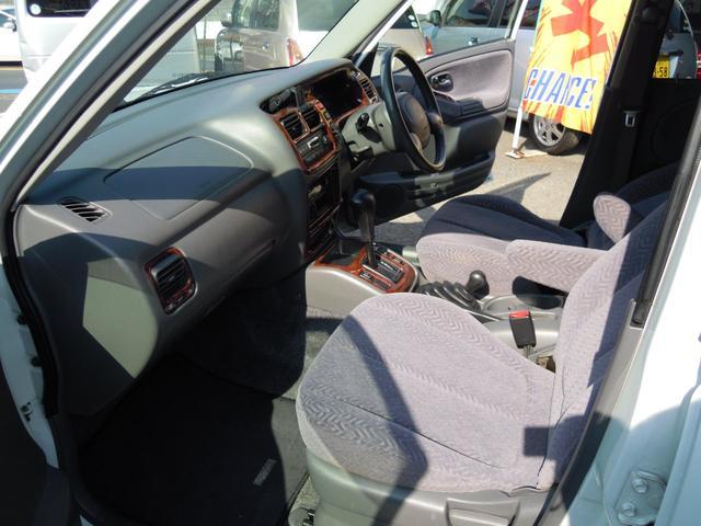 ベースグレード 4WD シートヒーター ETC 自社保証(11枚目)