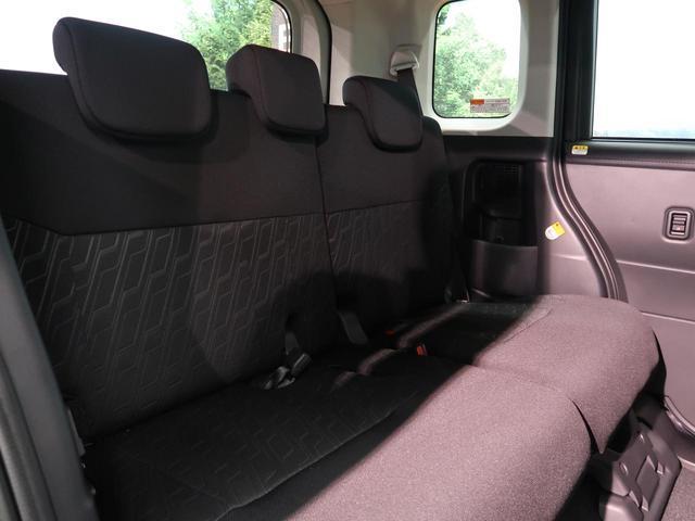 『セカンドシートは使用感もなくキレイな状態です!大人でも快適に乗って頂けます♪』