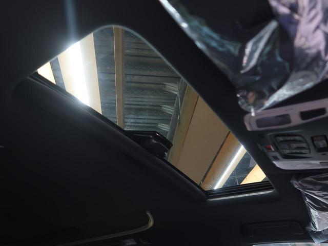2.5S タイプゴールドII 登録済未使用車 サンルーフ セーフティセンス レーダークルーズ 両側電動ドア パワーバックドア ハーフレザーシート 100V電源 3眼LEDヘッド&フォグ 純正18AW 7人乗り 禁煙車 スマートキー(6枚目)