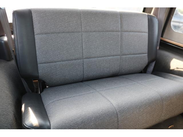後部座席は綺麗な状態を維持しております!