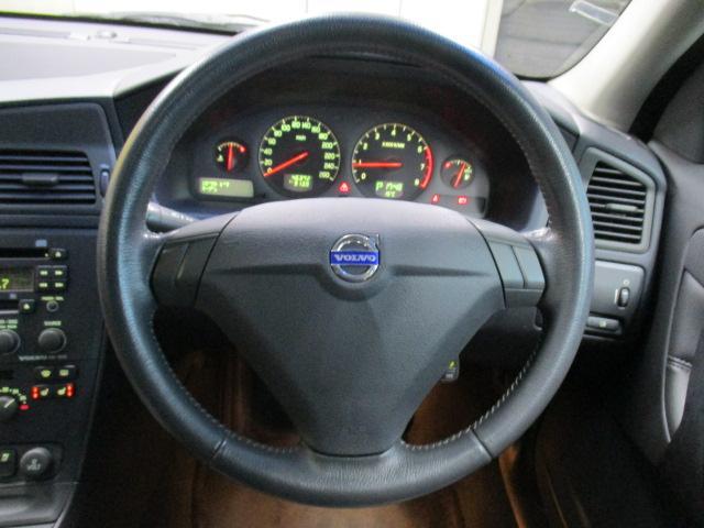 ボルボ ボルボ S60 2.4 革シート サンルーフ キーレス ETC