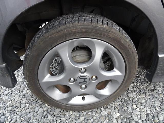 車検板金修理もおこなっています。軽自動車の場合修理個所がない車検は法定費用込の¥52000-にてやらせて頂いてます。修理板金などもお気軽にご相談下さい。お安く出せるように頑張らせて頂きます!