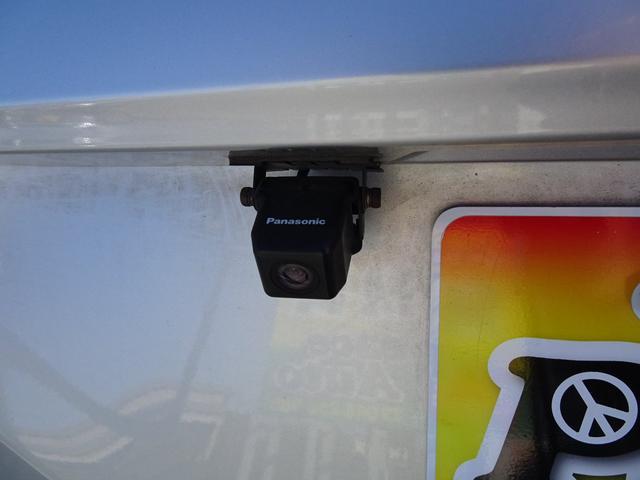 アエラス 平成18年式 走行58700キロ 4WD スマートキー 両側PSD ナビ バックカメラ オートエアコン リアクーラー DVD再生 ビルトインETC  純正17インチアルミホイール 8人乗り 修復歴無し(17枚目)