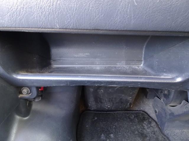 平成19年式 走行70000キロ 4WD オートマ エアコン パワステ 前列パワーウィンドウ キーレス CD 最大積載200キロ(35枚目)