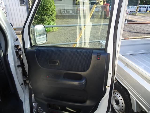 平成19年式 走行70000キロ 4WD オートマ エアコン パワステ 前列パワーウィンドウ キーレス CD 最大積載200キロ(48枚目)