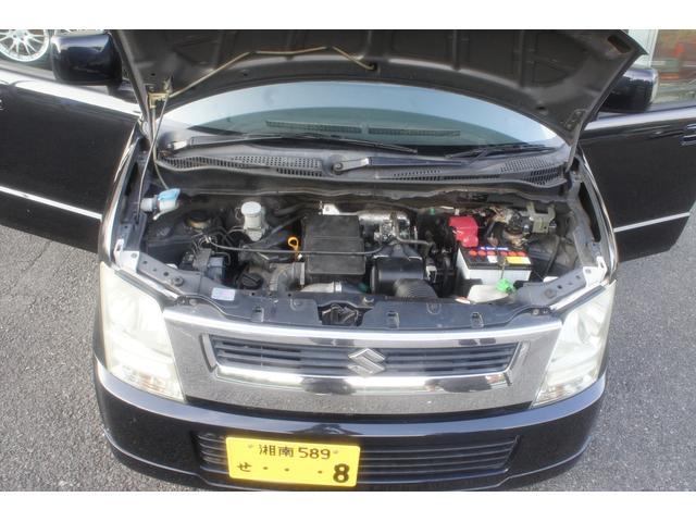 エンジンルームも綺麗に清掃済みのお車です♪走行テスト時にも、特に異常もなくとても快調ですのでご安心ください!