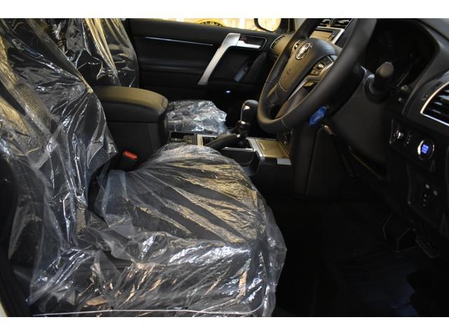 TX Lパッケージ 7人乗 新車本革レザーシート ムーンルーフ インテリジェンスクリアランスソナー アルパイン9型ナビパッケージ フロントグリル 4本出しマフラー 20インチホイール(10枚目)