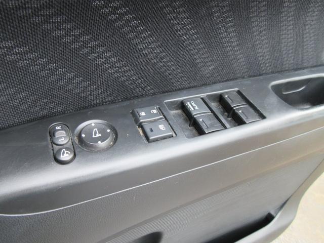 「ホンダ」「N-BOXカスタム」「コンパクトカー」「神奈川県」の中古車28