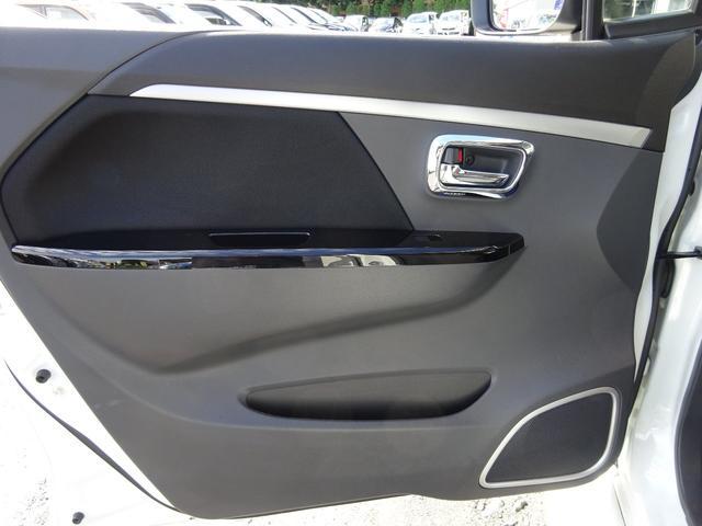 T 1オーナー シルクブレイズフルエアロ ストリートライド車高調 Jラインリヤアクスル公認取得済 ファブレス17インチAW SDナビ Bluetooth 地デジTV バックカメラ 社外スピーカーウーファー(56枚目)