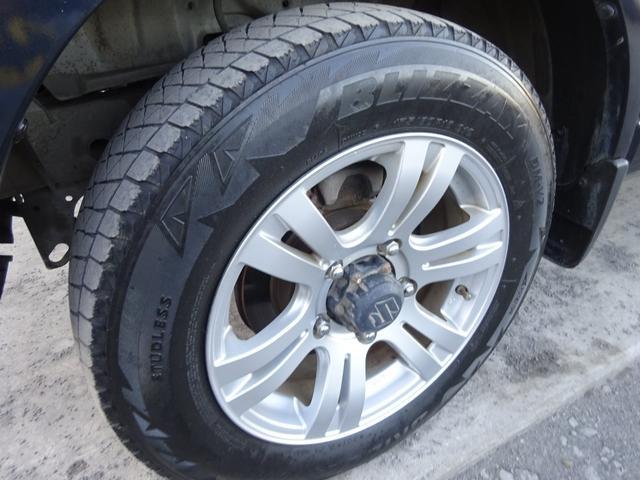 ランドベンチャー 7型 ターボ 4WD 社外CDMDデッキ キーレスキー シートヒーター ミラーヒーター ABS 革巻ステアリング 電格ウィンカーミラー 背面タイヤ フォグライト ヘッドライトレベライザー 純正16AW(13枚目)