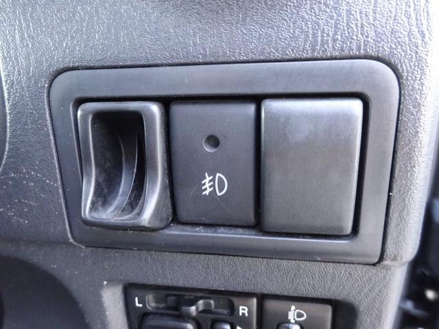 ランドベンチャー 7型 ターボ 4WD 社外CDMDデッキ キーレスキー シートヒーター ミラーヒーター ABS 革巻ステアリング 電格ウィンカーミラー 背面タイヤ フォグライト ヘッドライトレベライザー 純正16AW(25枚目)