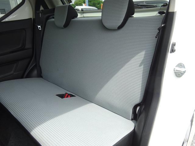 S アイドリングストップ レーダーブレーキサポート シートヒーター キーレスキー VSC タイミングチェーン 電格ミラー 純正CDデッキ AUX付 ヘッドライトレベライザー ABS(39枚目)