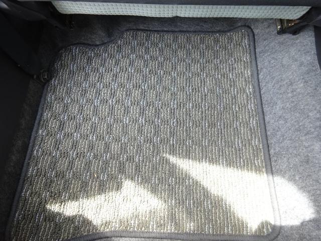 S アイドリングストップ レーダーブレーキサポート シートヒーター キーレスキー VSC タイミングチェーン 電格ミラー 純正CDデッキ AUX付 ヘッドライトレベライザー ABS(42枚目)