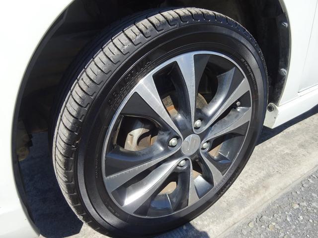 T ターボ アイドリングストップ HIDオートライト フォグライト パドルシフト 革巻きステアリモコン 純正CDデッキ AUX付 電格ウィンカーミラー スマートキー プッシュスタート ABS(13枚目)
