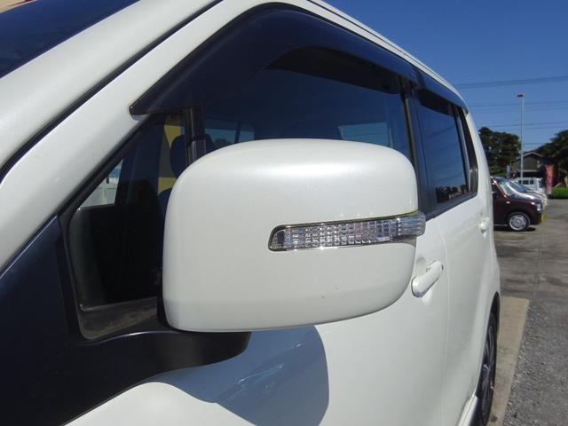 T ターボ アイドリングストップ HIDオートライト フォグライト パドルシフト 革巻きステアリモコン 純正CDデッキ AUX付 電格ウィンカーミラー スマートキー プッシュスタート ABS(67枚目)