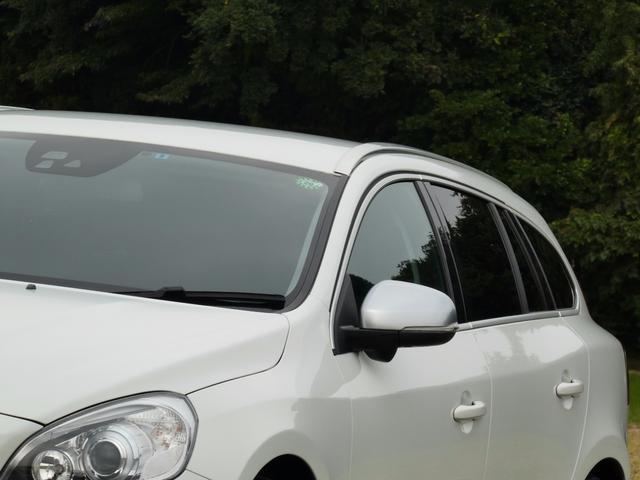 ボルボ ボルボ V60 Rデザイン/純正ナビ/黒革シート/HID/ETC/Bカメラ