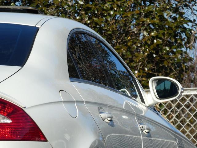 ★状態★試乗してみた所、走りはパワフル感ある安定した走りでCLS500の良さを身にしみて感じた車両です。 乗り心地、運転性はさすがのベンツ!!