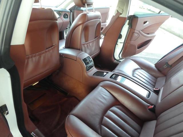 ◆後部座席◆ゆったりとくつろげる綺麗で快適な車内!!長距離ドライブも安心です!