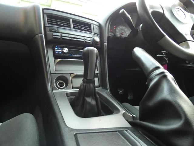 25GT-V 5速マニュアル 1オーナー車 タイベル・クラッチ・イグニッションコイル・プラグ・ラジエーター日産にて交換済み 機関良良好車 クラッチ本当軽い(57枚目)