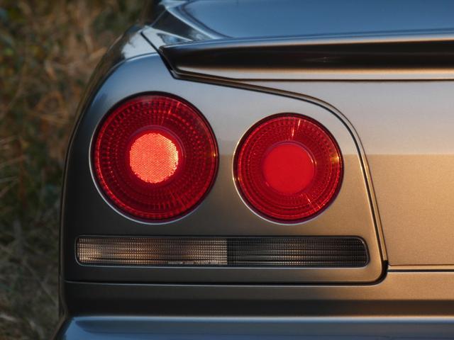 25GT-V 5速マニュアル 1オーナー車 タイベル・クラッチ・イグニッションコイル・プラグ・ラジエーター日産にて交換済み 機関良良好車 クラッチ本当軽い(58枚目)