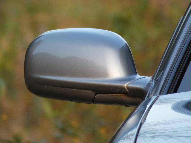 25GT-V 5速マニュアル 1オーナー車 タイベル・クラッチ・イグニッションコイル・プラグ・ラジエーター日産にて交換済み 機関良良好車 クラッチ本当軽い(64枚目)