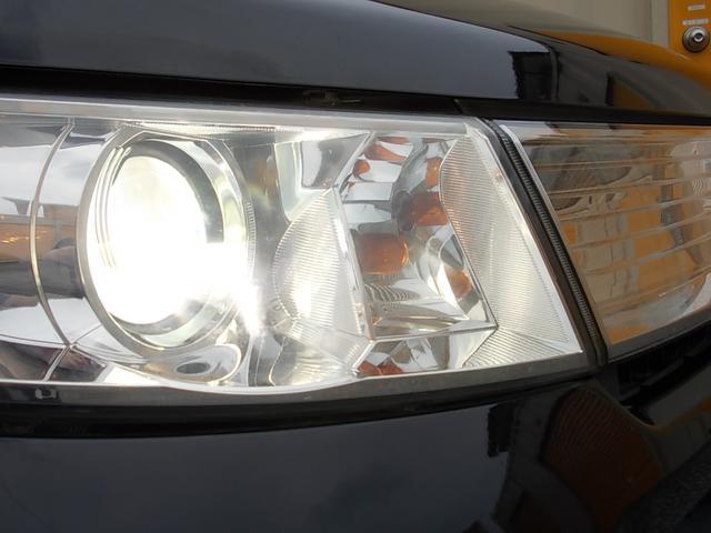 HIDディスチャージヘッドライトが装備させています!!