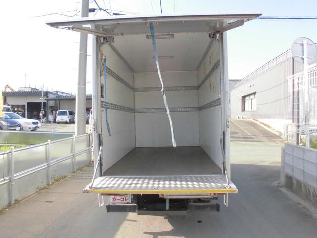平成18年式 いすゞ エルフ 入庫しました。 株式会社カーコレ湘南店は【Total Car Life Support】をご提供してまいります。http://www.carkore-shonan.com