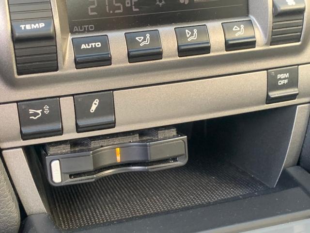 911カレラ サイバーナビ フルセグTV バックカメラ ブルートゥース接続 キーレス ETC 純正19インチアルミホイール クルコン CD/DVD再生 ミュージックサーバー シートヒーター 盗難防止装置(16枚目)