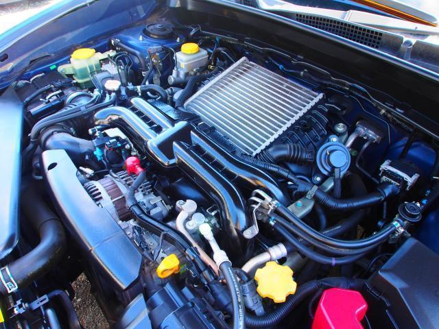 2.0GT ターボ サンルーフ ハーフレザーシート 4WD HDDナビ ワンセグ すスマートインテリキー 車検整備 ステアリングコントロール クルーズコントロール ETC 電動格納ミラー DVD(13枚目)
