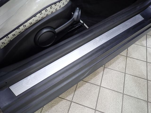 クーパー クリスタル 限定車 レザーシート シートヒーター ETC プロジェクターHIDヘッドライト(16枚目)