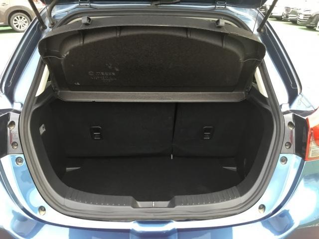 荷物の積み下ろしがしやすいワイドなリアゲート開口幅と定員乗車時でも荷室容量を確保!スムーズに荷物が出し入れできる気持ちよさ・使いやすさを実現!さらに使い勝手に応じて6:4分割可倒式シートバックを採用!