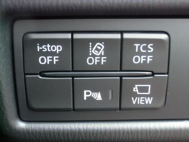 ドライバーさんの運転をサポートする、ブラインドスポットモニタリングシステムや横滑り防止装置、環境に優しいアイドリングストップ機能など、安全装備が満載です!