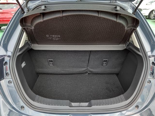 荷物の積み下ろしがしやすいワイドなリアゲート開口幅と定員乗車時でも荷室容量を確保!スムーズに荷物が出し入れできる気持ちよさ・使いやすさを実現!