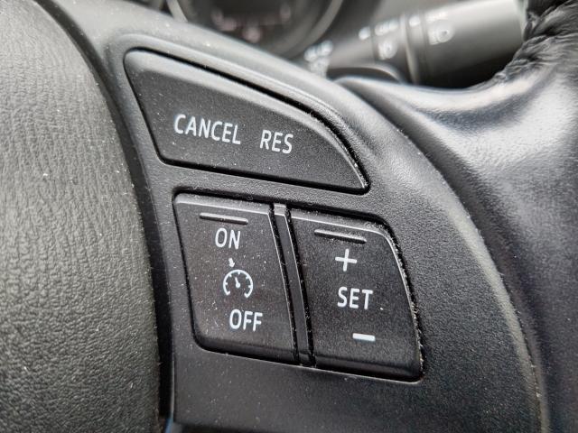 オートクルーズ機能付きですからアクセルを踏まずに設定速度での定速走行が可能です!高速道路でも快適運転できますネ!!