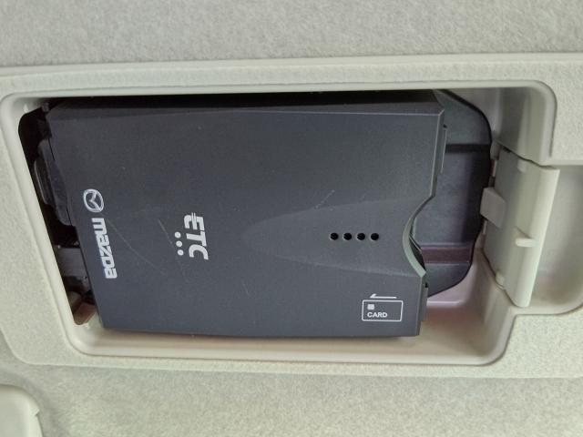 ETC装備!コレで高速道路もスイスイですネ!さらにスマートインタイプですからカードを入れてワンタッチで収納できます!盗難防止にも役立ちます!