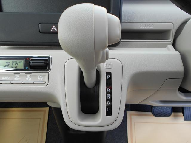スズキ ワゴンR ハイブリッドFX 届出済未使用車 運転席シートH ベージュ内