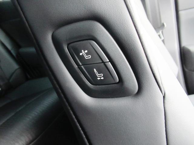 S スポーツスタイル 特別仕様車・SDナビ地デジ・バックカメラ・CD・DVD・ブルーレイ・ブルートゥース・USB・ETC・シートヒーター・ステアヒーター・Cセンサー・プリクラ・LTA・BSM・RCTA・スパッタ18アルミ(27枚目)