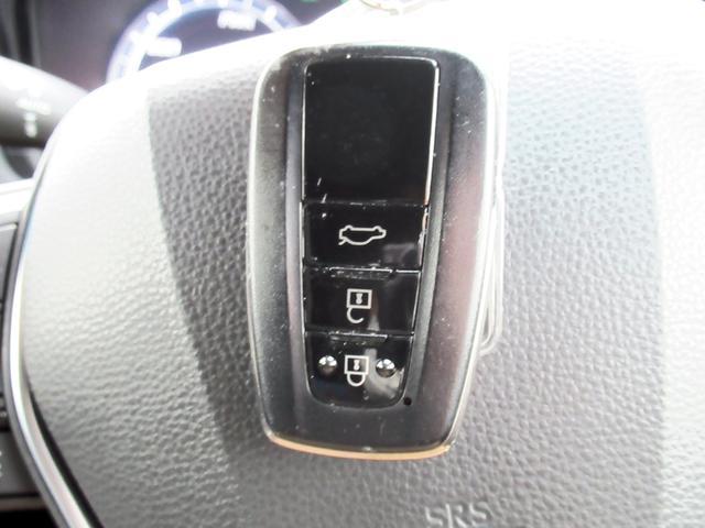 S スポーツスタイル 特別仕様車・SDナビ地デジ・バックカメラ・CD・DVD・ブルーレイ・ブルートゥース・USB・ETC・シートヒーター・ステアヒーター・Cセンサー・プリクラ・LTA・BSM・RCTA・スパッタ18アルミ(36枚目)