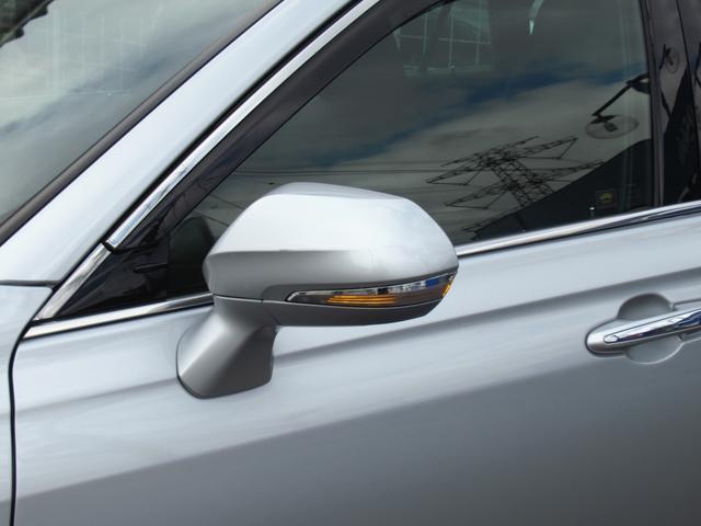 S エレガンススタイル SDナビ地デジ・バックカメラ・CD・DVD・ブルーレイ・ブルートゥース・ステアヒーター・シートヒーター・レーダークルーズ・LTA・BSM・RCTA・ETC2.0・USB・18AW・LEDライト・フォグ(60枚目)