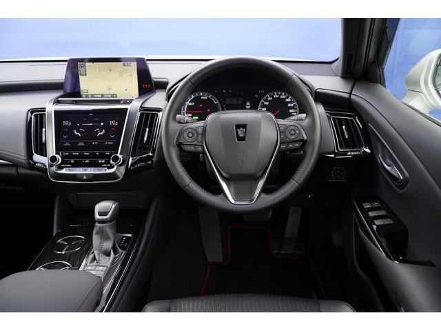 S スポーツスタイル SDナビ地デジ・バックカメラ・CD・DVD・ブルーレイ・ブルートゥース・USB・ステアヒーター・シートヒーター・ETC・Cセンサー・セーフティセンス・18AW・パドルシフト・LEDライト・フォグ(3枚目)