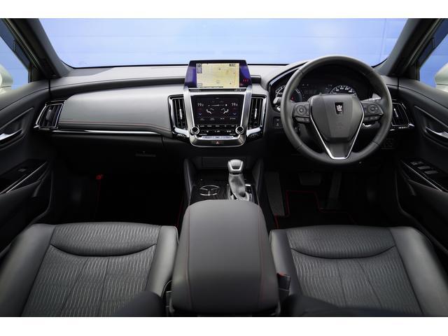 S スポーツスタイル SDナビ地デジ・バックカメラ・CD・DVD・ブルーレイ・ブルートゥース・USB・ステアヒーター・シートヒーター・ETC・Cセンサー・セーフティセンス・18AW・パドルシフト・LEDライト・フォグ(4枚目)