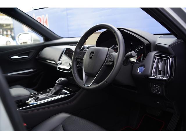 S スポーツスタイル SDナビ地デジ・バックカメラ・CD・DVD・ブルーレイ・ブルートゥース・USB・ステアヒーター・シートヒーター・ETC・Cセンサー・セーフティセンス・18AW・パドルシフト・LEDライト・フォグ(5枚目)