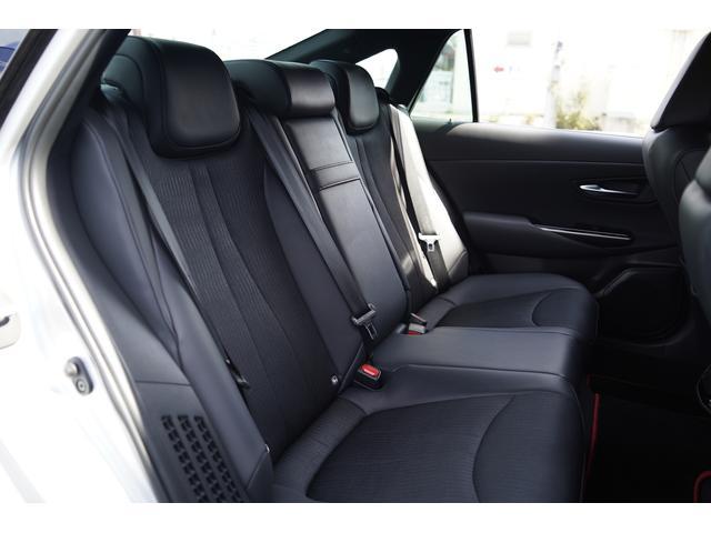 S スポーツスタイル SDナビ地デジ・バックカメラ・CD・DVD・ブルーレイ・ブルートゥース・USB・ステアヒーター・シートヒーター・ETC・Cセンサー・セーフティセンス・18AW・パドルシフト・LEDライト・フォグ(8枚目)